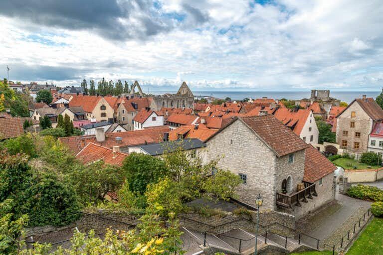 Utsikt över Hansestaden Visby från Klinten.